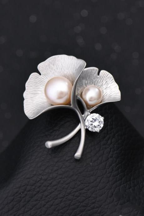 Ginkgo leaf Brooch with pearl and crystals