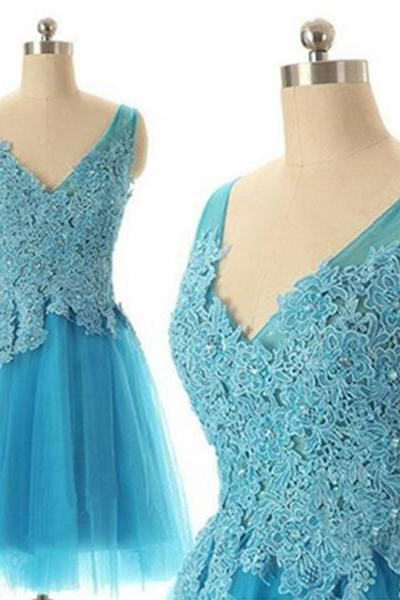 V-neck Short Tulle Homecoming Dresses Lace Appliques Beaded Party Dresses Mini Women Dresses