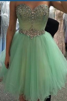 Sweetheart Neck Short Tulle Homecoming Dresses Crystals Beaded Party Dresses Lovely Mini Party Dresses