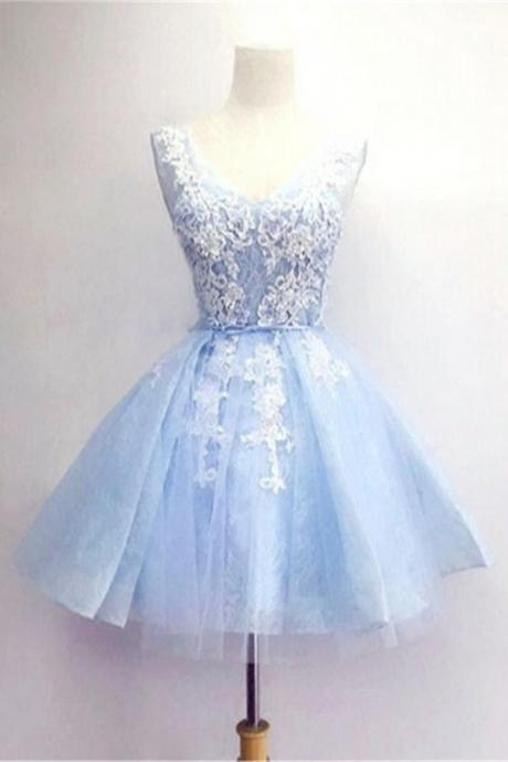 Scoop Neck Tulle Homecoming Dresses Lace Appliques Dresses