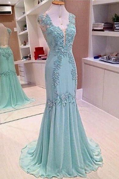 Custom Made V-neck Mermaid Chiffon Prom Dresses Lace Appliques , Wedding Dress